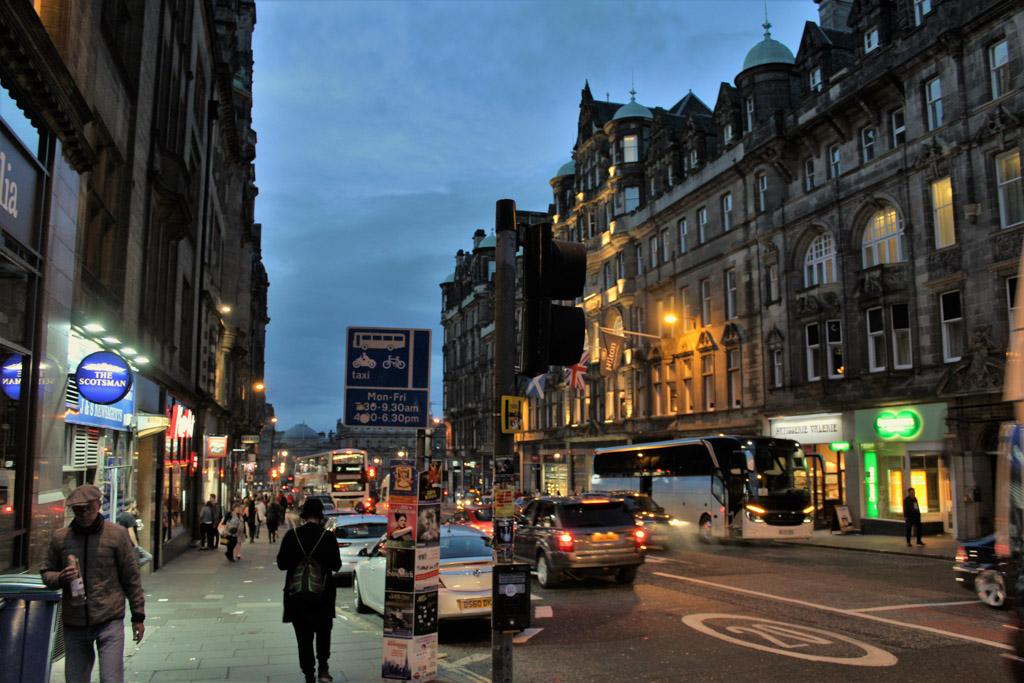 Gerard stadsgezicht bij avond